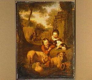 Landschap met twee kinderen met geiten, schapen en honden aan de voet van een standbeeld