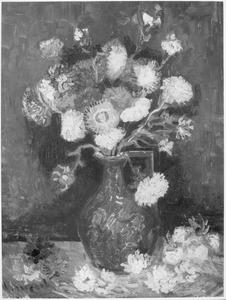 Bloemstilleven: een eenorige vaas met asters en phloxen