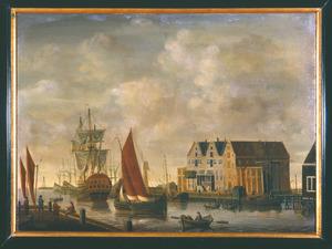 Gezicht op de buitenhaven en de admiraliteitsmagazijnen te Hoorn