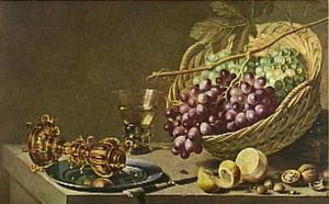 Stilleven met druiven en bekerschroef