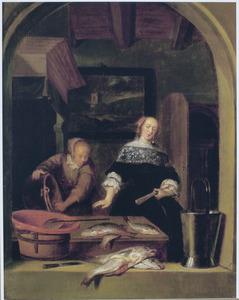 Elegante dame, keukenmeid en dode vissen in een interieur gezien door een boogvenster