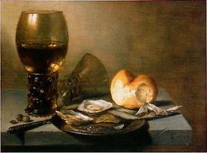 Ontbijtje met glazen en oesters