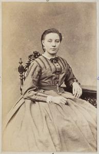 Portret van A.M. Geveke, mogelijk Anna Maria Geveke (1843-1932)