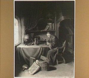 Een oude man een pijpje rokend in zijn studeervertrek