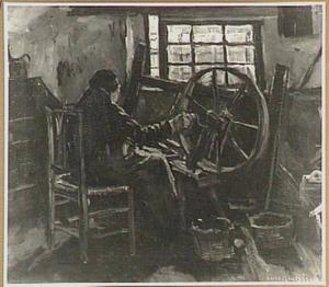 Interieur met oude vrouw achter spinnewiel