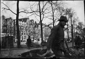 Gezicht op de doorbraak van de Raadhuisstraat te Amsterdam