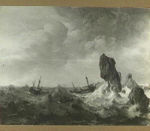 Schepen op een onrustige zee voor een rotsachtige kust