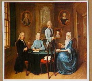 Familieportret van een onbekend ouderpaar met twee zoons