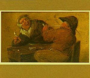 Een pijprokend paar aan een tafel