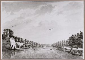 Gezicht over de Stadsbuitengracht te Utrecht met van links naar rechts bastion Manenburg, de Servaastoren, bastion Zonnenburg en de Tolsteegsingel