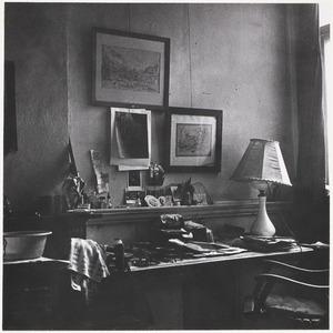 Werkplek in de woning van Fiedler M. J. Kosterstraat 11 te Amsterdam, op een van de laatste dagen van 1960