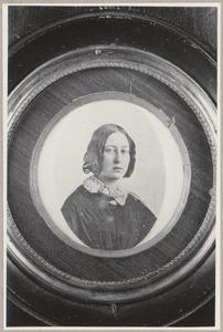 Portret van Emilie Magdalena Amiot (1825-1862)