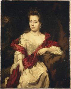Portret van een vrouw in een witte japon met een rode draperie