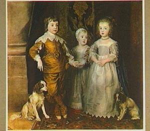 De drie oudste kinderen van Karel I, Charles James en Mary staande met twee spaniëls