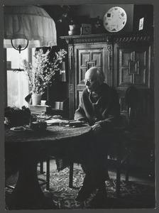 Harm Kamerlingh Onnes in zijn huiskamer