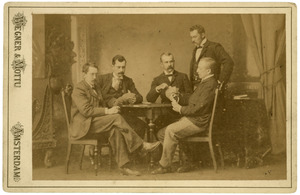 Portret van waarschijnlijk Johannes Boursse (1865-1944) en vier onbekende mannen