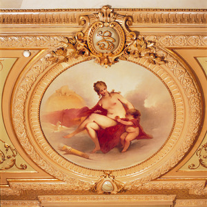 Medaillon met Venus en putto