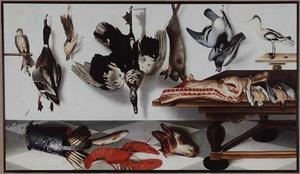 Stilleven met duiven, een haas, een eend, kalfskop, asperges, kreeft en forel, met een sperwer en een kluut