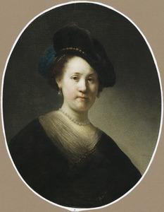 Borststuk van een vrouw met gevederde baret
