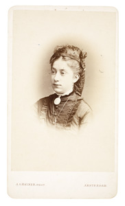 Portret van Woudica Johanna Maria Gülcher (1854-1881)