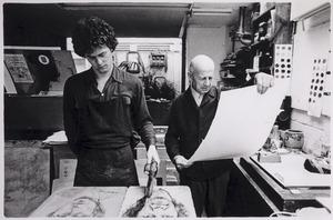 Portret van Paul Citroen aan het werk bij Piet Clement's Printshop