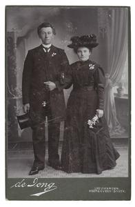 Portret van Maria Schwier (1884-) en Jelle Snijder (1885-)