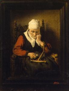 Oude slapende vrouw met haspel, in geschilderde lijst