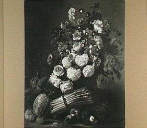 Stilleven van bloemen en groente