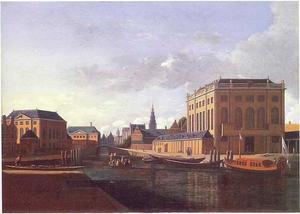 Gezicht op de Grote Synagoge en de Portugese Synagoge in Amsterdam, de toren van de Zuiderkerk in de verte