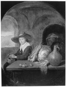 Een jonge vrouw warmt haar handen, zittend bij een tafel met groenten en een kruik
