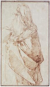 Staande oude man met baard, in een mantel, naar links