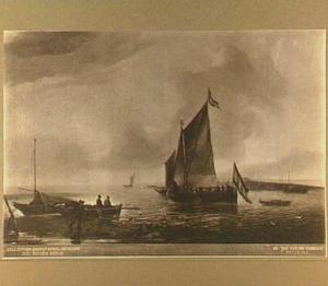 Twee zeilschepen varen uit bij kalm weer