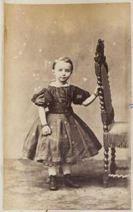 Portret van een meisje uit familie Wychgram, waarschijnlijk een dochter of kleindochter van Claas Wychgram (...-...) en Habbina Catharina Cornelia Knottnerus (...-...)
