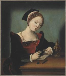 Briefschrijvende jonge vrouw in een interieur
