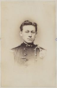 Portret van luitenant Rahder, mogelijk Johannes Dirk Aldegondus Rahder (1841-1928)