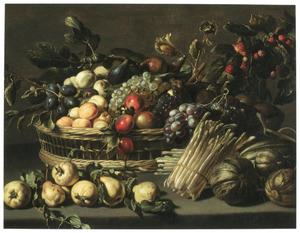 Stilleven van fruit en asperges op een tafel