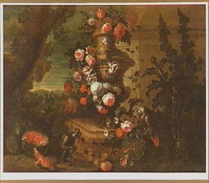 Bloemen rond een tuinvaas met papegaai en aapje