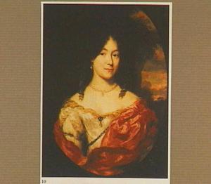 Portret van een vrouw, ten halven lijve, in een gedecolleteerd toilet