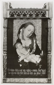 Maria met kind voor een brokaten achtergrond