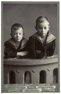Portret van Jan de Lavieter (1900 - 1981) en Jakobus de Lavieter (1901 - 1989)