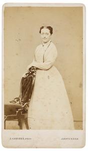 Portret van een vrouw, mogelijk Henriette Gertrude Justine Romswinckel (1830-1916)