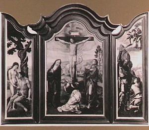 De Zondeval (links), de kruisiging (midden), het offer van Isaak (rechts)