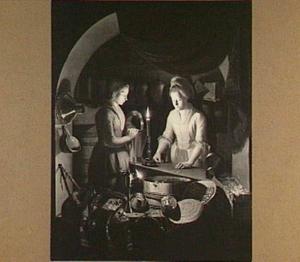 Twee vrouwen in winkelinterieur bij kaarslicht