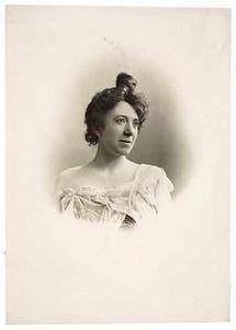 Portret van Lydia Julia Marie Kneppelhout (1858-1946)