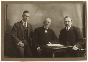 Portret van Jan Hazenberg (1847-1926), Bouke Pier Hazenberg (1881-1969) en Jan Hazenberg (1903-1989)