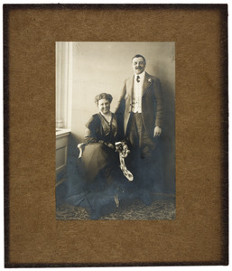 Portret van Jan Lucassen (1880-?) en Maria Cornelia van Idsinga (1887-1981)