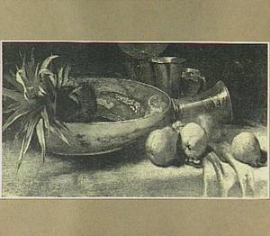 Stilleven met ananas en een chinees porseleinen schotel