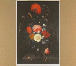 Boeket van bloemen in een glazen vaas