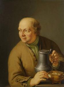 Een zittende man met een drinkkan