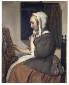 Jonge vrouw voor een spiegel